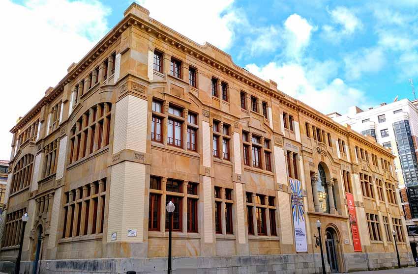 Antigua escuela de comercio de Gijón